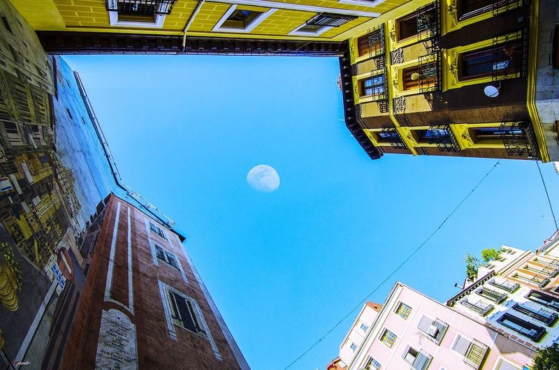 Moon Low Angle View Sky Architecture City Taking Photos Madrid ❤ Madrid City Street Madrid,spain