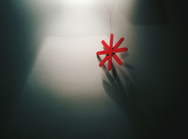 Asterisk Backgrounds Christmas Decorations Light And Shadow Minimalism Negative Space Red Shadow Star Wall