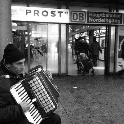 #instadaily #streetphotography #picoftheday #iggers #instahub #urban #hannover #instagood #instadaily #instamood #webstagram #igersgermany #instagramhub #instapic #ignation #bestoftheday #instaart #instapro #gf_germany #partnersingrime #blackandwhite Instapic Instahub Streetphotography Igersgermany Urban Gf_germany Blackandwhite Iggers Hannover Instapro Picoftheday Partnersingrime Instamood Bestoftheday Instagood Instagramhub Webstagram Instadaily Ignation Instaart