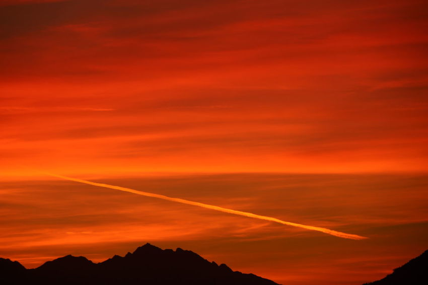 Mountain Sunset Red Beauty Forest Mountain Peak Orange Color Sky Dramatic Sky Silhouette Majestic Idyllic Romantic Sky Mountain Range Scenics Calm Moody Sky