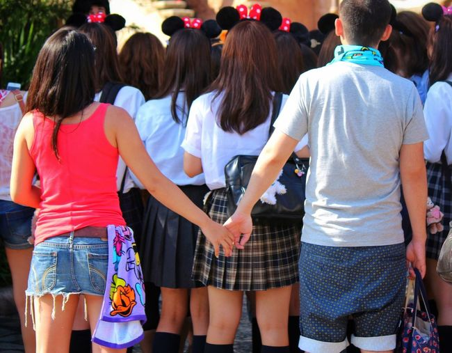 Summer of life/寒くなると夏が恋しく熱くなれば冬が愛おしい Summer Minnie Mouse Lovers Studens School Uniforms Around The World Hanging Out Hand In Hand Snapshots Of Life