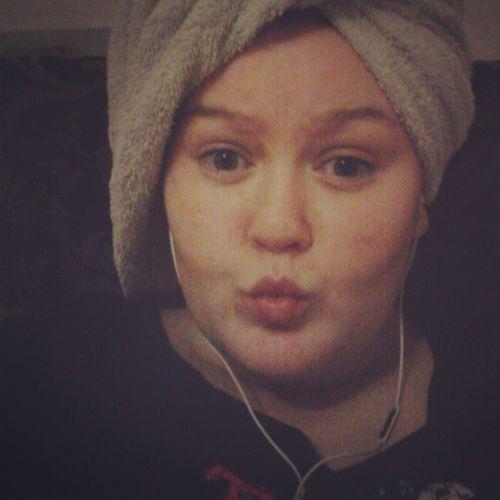 Me Busybrows Natural Nakedface feelingfreshtowelaroundhairwethairbedtimemusicheadphonesmusicloudhardlytiredachooltomorrowupearlymondaysadfacefuckcantbebotheredlikeforlikelike4likelfll4llikebackalwayslikebacklikelikelikeelike!!!