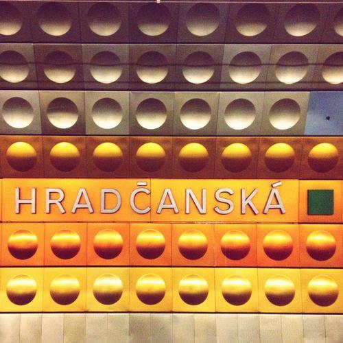 Metro Hradčanska Time