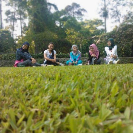 Galauers Sundaymorning Kononjogging Bogor botanicalgarden lumia800 instapic @nadyadeandra @savitri_olive