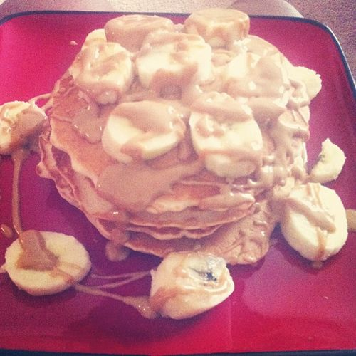 Cause it's what I wanted... Wheat pancakes w/ bananas && peanut butter! Good morning! ?? Ilovepeanutbutter Wheat Wheatcakes Breakfast bananas yum
