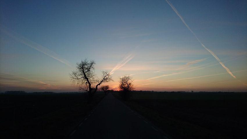 Smuga Kondensacyjna Beauty In Nature Morning Sky Niebo Wschódsłońca Sunrise Słońce Wies