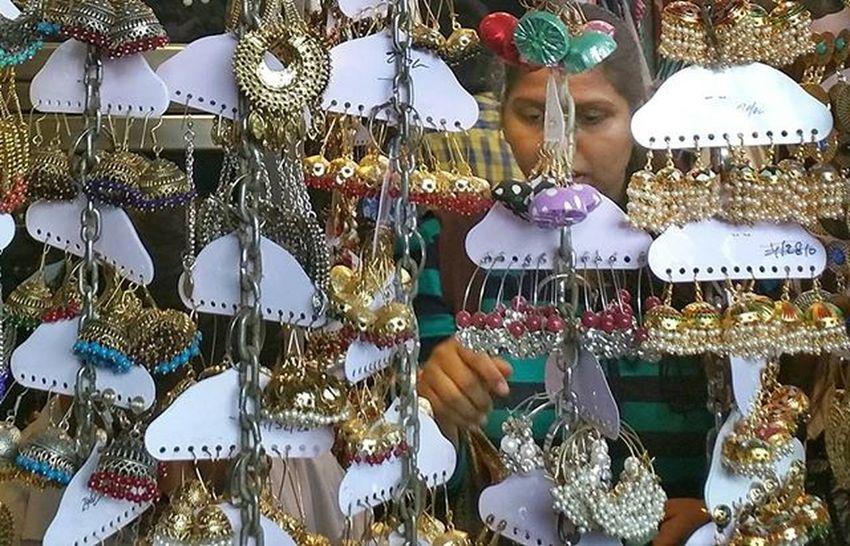 Spoilt for choices _soi Soiwalks Streetsofindia _indiasb _soimumbai Mymumbai Mumbai Street Shopping Jewelry Accessories Women Colaba