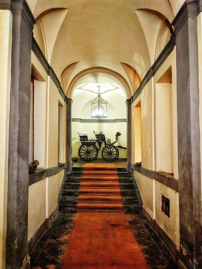 """""""Traveling in Style"""" - Il Vesconte - Bolsena, Italia No People Italy Italia Photobydperry Carriage Transportation Old Transport Buggy Chandelier Arch Architecture Sky Built Structure Passageway Passage Entry Entryway Hallway Arched Entrance Historic"""