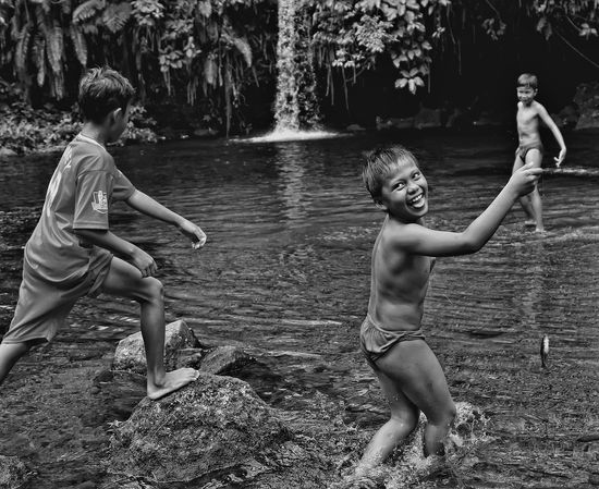 Happiness Capture The Moment Black And White Photos That Will Restore Your Faith In Humanity at Lubuak Bonta Pariaman West Sumatera INDONESIA Soundtrack Of Our Lives THESE Are My Friends Photographic Memory Youth Of Today