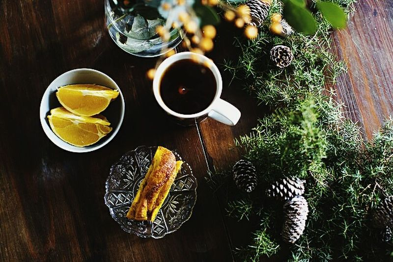 Food No People Table Drink Drinking Glass Freshness Indoors  Day Home Interior Noel Tree Noelfotografia Winter_collection Winterscapes Winteriscoming Winter Morning Winter Day Wintertime Winter Flowers Coffee Tea