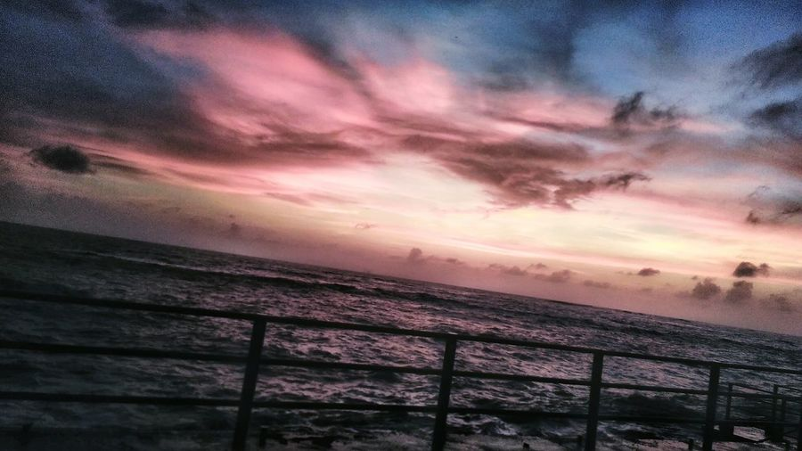 The Innovator Seascape Watching The Sun Go Down Seaside Walk Vivid Colours  Beautiful Nature EyeEm Best Shots - Nature