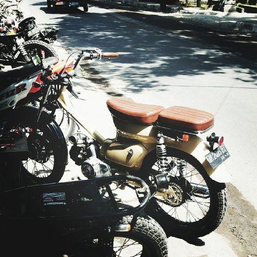 preparing for Gentlemansride Honda Astrea800 Custommotorcyles photooftheday instagood vscocam vsco nice love samsungcamera WB30F bernhardarifmargiraharjo bam malaysia f4f follow4follow travel