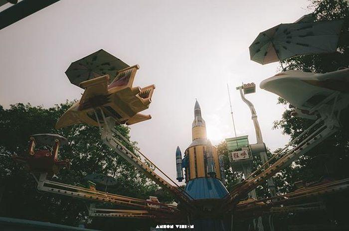生锈游乐园 Playground Maoming Sundown Gray Lifestyle