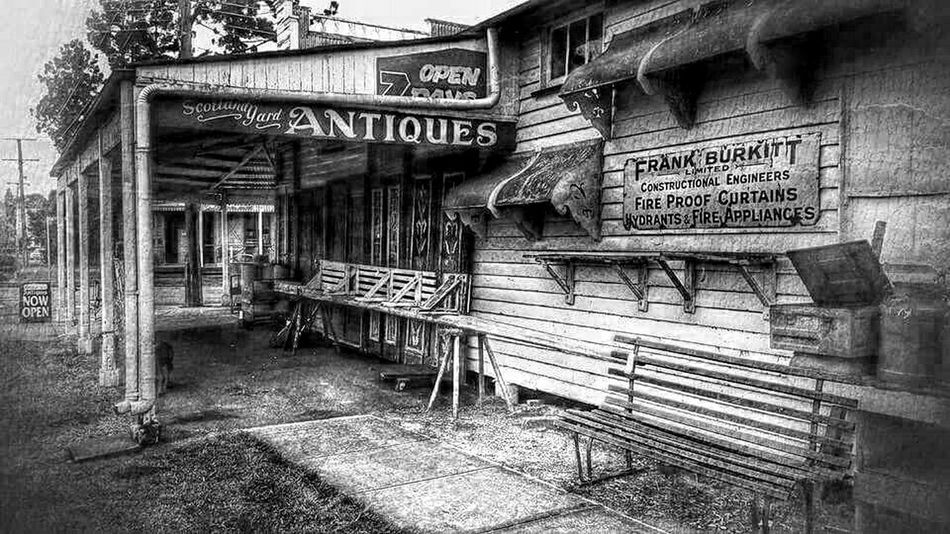 B&w Street Photography Streetphotography Blackandwhite Photography Black And White Check This Out Taking Photos Antique Shopping Antiques