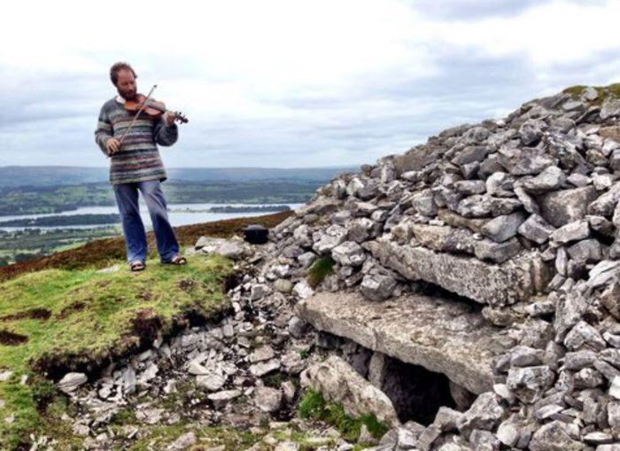 Mesolhitic Tunes Sligo Ireland🍀 Fiddle Play Your Mind Like A Fiddle ♥♥♥