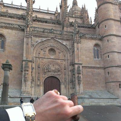 Disfrutando Del Domingo DIStylelife Cigar MomentoHabano