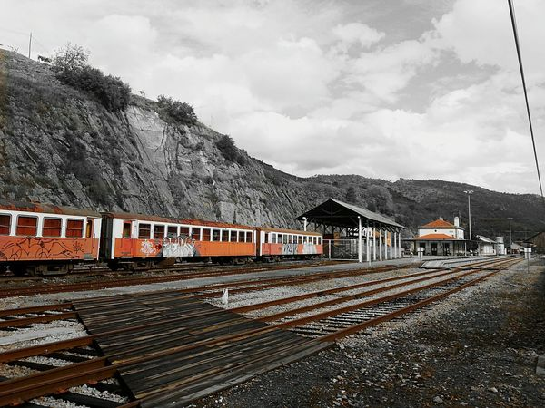 Landscapes With WhiteWall Train Train Station Old Train Old Train Station Color Splash Vacation Getty InspiredGetty Inspired Eyem Awsome Nice Day Régua Portugal Portugal_lovers The Great Outdoors - 2016 EyeEm Awards
