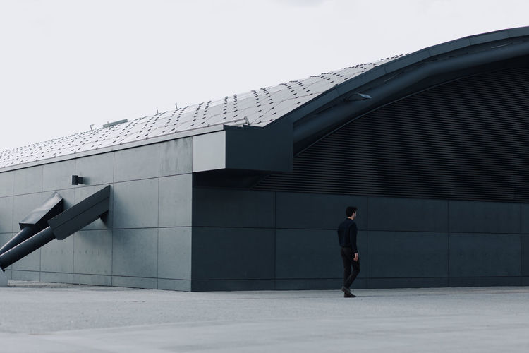 follow me on instagram : ulisi_ Post One Person Built Structure Only Men Architecture Day Men Lines Minimalism Minimal Minimalist Vscocam Photography Color VSCO Photo Mood Boy Modern Industry Architecture Backgrounds Light White The Architect - 2017 EyeEm Awards