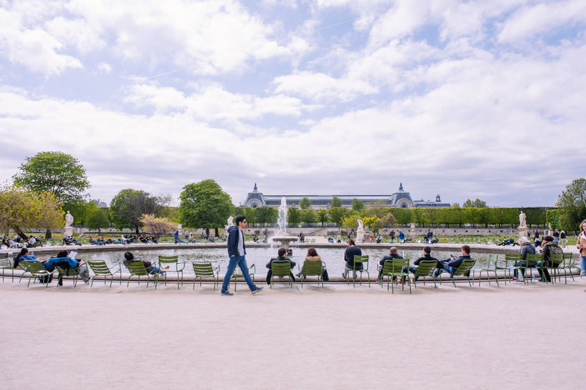 Chilling Architecture Chill Out Chillen Chilling Day Fountain Large Group Of People Leisure Activity Lifestyles Paris Real People Spring Tourist Travel Tree