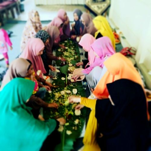 Lovely Togetherness Photography Blur Focuscamera Friendship Eat