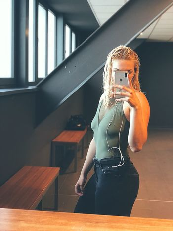 Sei selbst die beste Marke #greenandblack #green #bosslady #powerwoman #blonde #beautiful #picoftheday #outfit #fitnessfreak #FREIHEITBERLIN #body #Mom  #moments #fitnessmotivation #fitness #CURVY Indoors  Human Representation Representation One Person Window Day Lifestyles Casual Clothing Real People Female Likeness Women Clothing