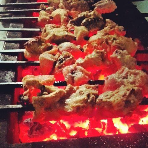 The Perfect time of the year for Yummy Bar-B-Q party at home!! Yummyfood Spicymeal WinterTreats Foodoftheday AmazingtooGoodChickenChickenTikkaCoalsHappyMealEnjoyedMuchFunHomeSweetHomeFogwintersDecemberFreezingColdwarmFoofComfortingFoodfoodpornInstaMultaninstapkTagForLikes
