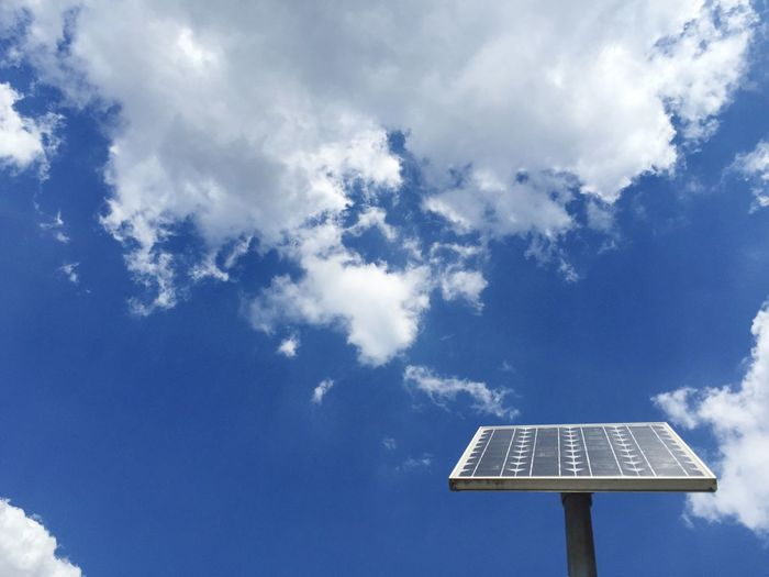 Solarzelle und Weißblauer Munchner Himmel Solar Panel Power Solar Energy