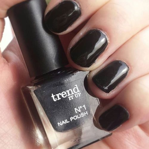 basic black🔝❤ Newnails Blacknails  Trenditup Trenditupnails Trenditupnailpolish Trendconnection Nagellacksammlung2016 Blackisbasic