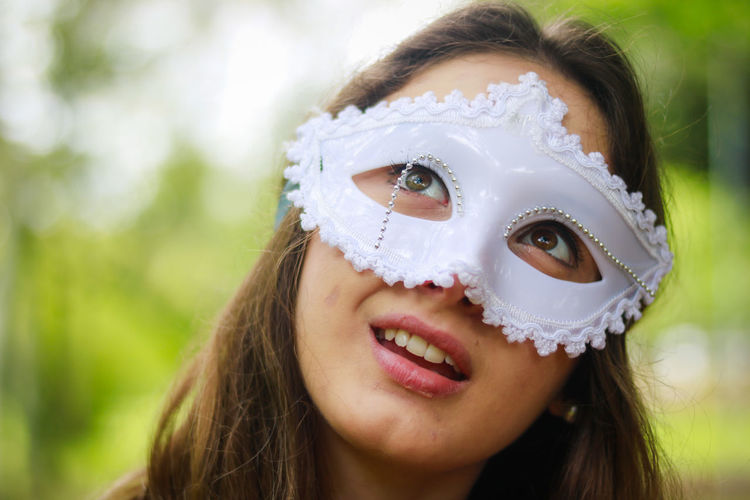 Childhood Close-up Day Disguise Focus On Foreground Fun Happiness Headshot Leisure Activity Lifestyles Looking At Camera Mask - Disguise One Person Outdoors People Portrait Real People Smiling