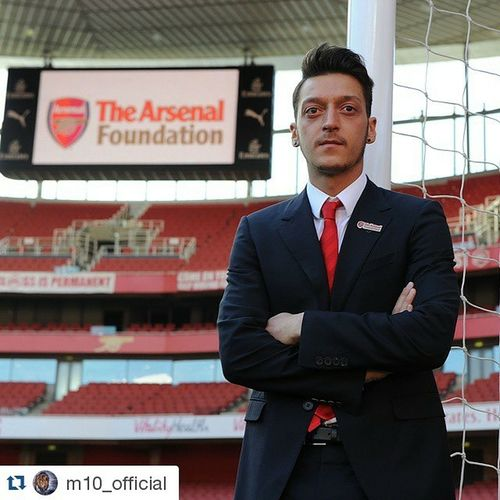 Repost @m10_official ・・・ ArsenalFoundation NightToInspire Emiratesstadium