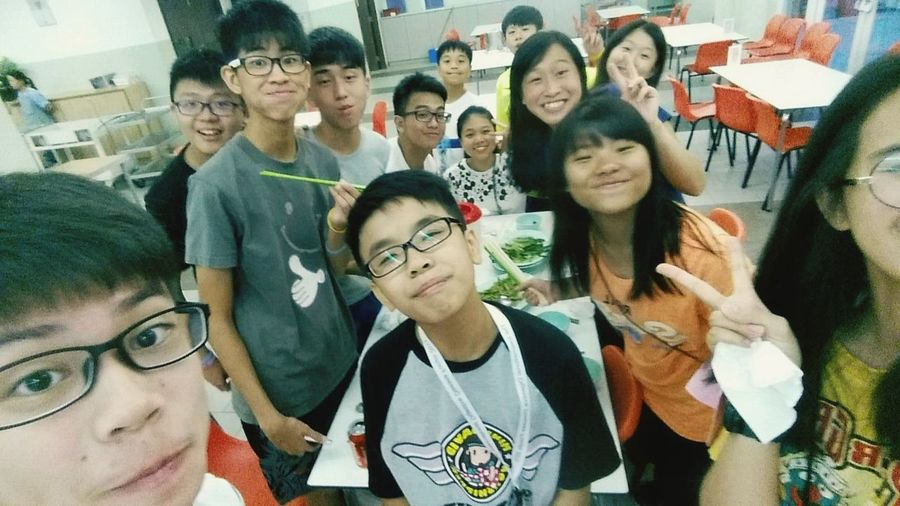 Throwback to this Summer and the most unforgettable camp and we were having lunch❤️❤️💒Love you all💕 Throwback Summer Friends Church Camping Cheung Chau Unforgettable Precious Lunch
