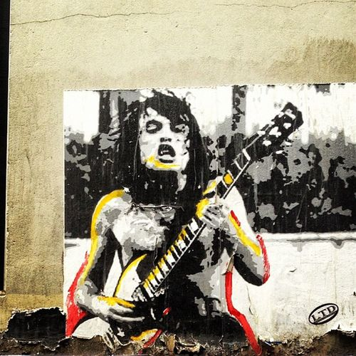 #forthoseabouttorockwesaluteyou #melbourne #graffiti #grimy #laneway #alleyway #streetart #ic_thestreets Melbourne Graffiti Streetart Alleyway Ic_thestreets Laneway Grimy Forthoseabouttorockwesaluteyou
