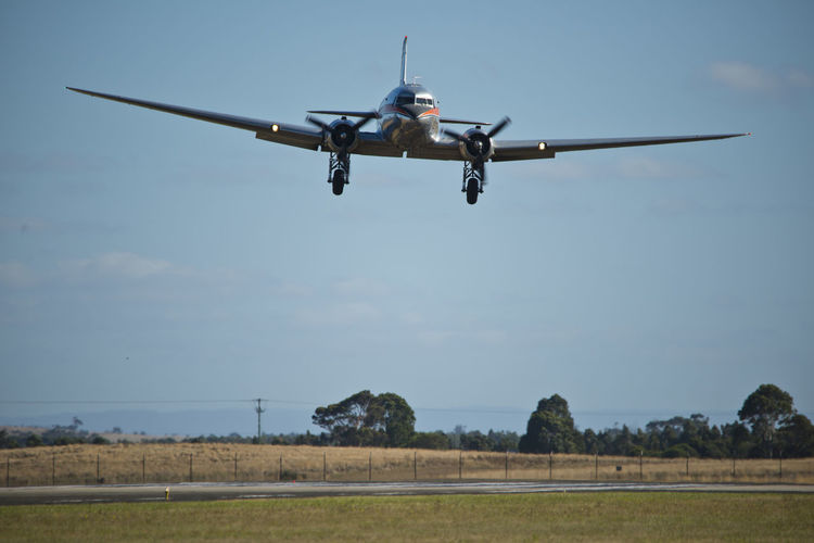 DC-3 Dakota  Landing Moon Passenger Aircraft Trans Australian Airlines Flight Flying Propeller Radial