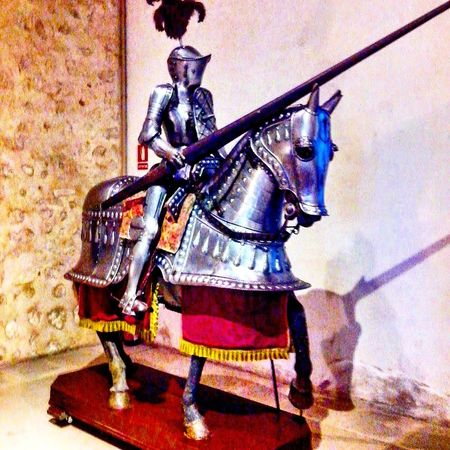 Alcazar de Segovia, España. Armadura y catafracto medieval. Full Length History Horse Working Animal Sword One Man Only One Animal Adults Only Domestic Animals Outdoors Adult Only Men Men One Person Period Costume Day People Alejandro Maciel. Religion Sculpture Statue Illuminated Spirituality Alebovino Arts Culture And Entertainment
