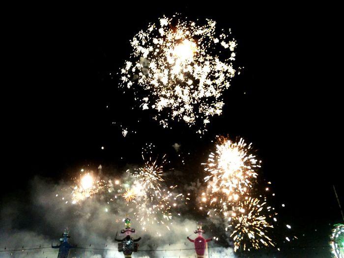 Dussehra Celebration Dussehra Celebration Fireworks Ravan  Victory Over Evil Diwali Sparks Firework Traditional Festival Exploding Glowing Entertainment Festival
