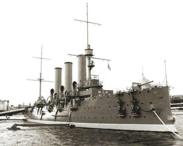 Taking Photos Avrora Saint Petersburg Lenin Revolutionary Military Ship Neva River Ship Anchors Russia