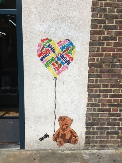 London Streetart Heart Heart Balloon Love Teddy Bear EyeEm Selects Multi Colored Architecture Building Exterior Built Structure No People Day