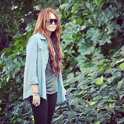 @mileycyrus @linilove0o Smiler Smilers Milesbians Mileycyrus Mileyisnotugly NoHateforMiley
