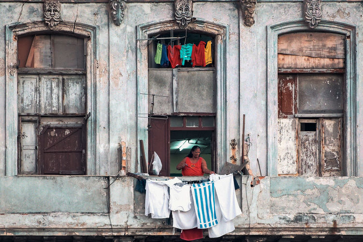 Cuba Collection Havana Havanna, Cuba Woman Cub Hanging Clothes Street Photography Streetphotography EyeEmNewHere The Architect - 2018 EyeEm Awards