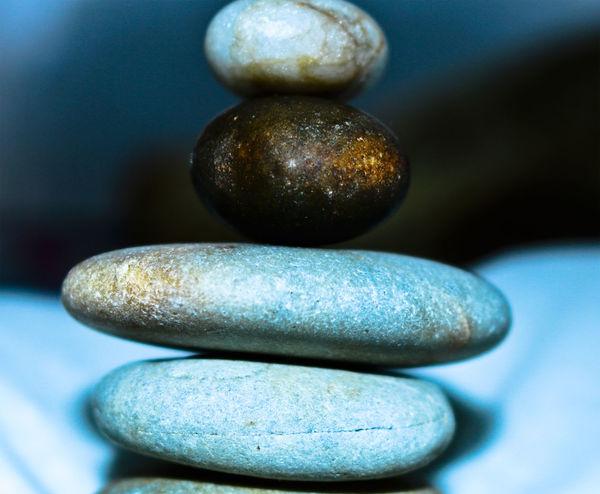 E com as pedras que há pelo caminho, um dia hei de construir um castelo. Pedras