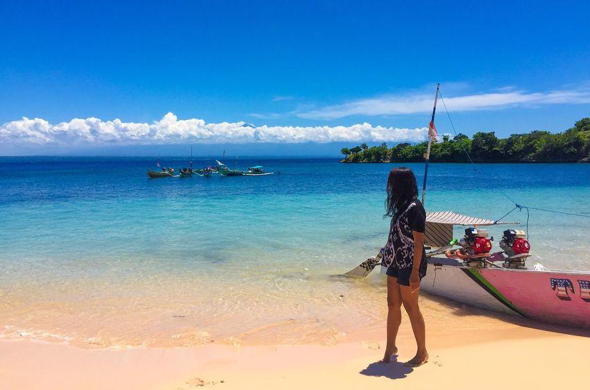"""Just enjoying the water and the sand :) "" Beach Whitesand Cloudandsky Getlost BeautifulIndonesia Heaven Repicturetravel"