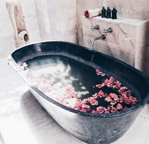 Indoors  Healthy Eating Domestic Life Freshness Water No People Day Colors Of Nature Beuatiful Photo Flower Water Splash