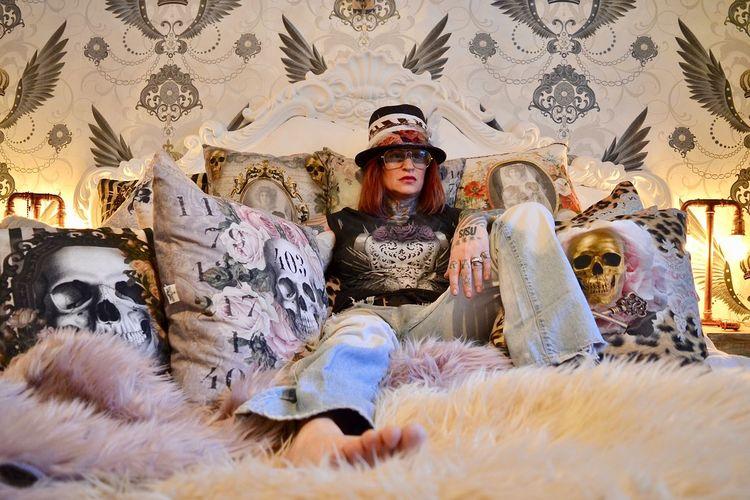 Gstar Vanasch Clothes Vanasch Cushions Tattooed Human Representation People Adult