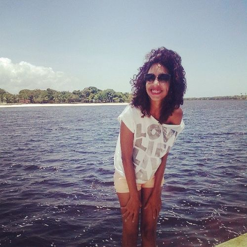 curly hair . Guarajuba-BA Beach Time Never Hide Your Smile