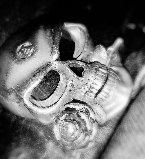 My Beltbuckle... Alchemy Gothic Skull Yep, I'm bored... Dark Extreme Close Up Close-up Light And Shadow Black And White Bored At Home