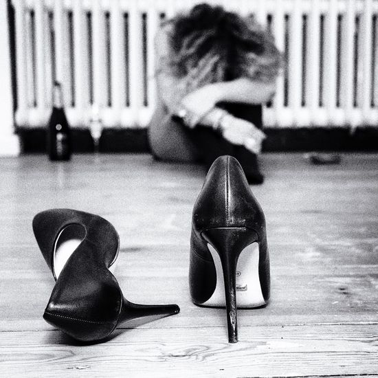 Uniqueness Flatmate Berlin Lifestyles Women Black And White Party Time Rock'n'Roll Weekend Monochrome Sadness Blackandwhite Alpha7 Lover After Party Adult Young Women Portrait Of A Woman Real People Berlin Party Hangover Tired Exhausted Black & White High Heels The Portraitist - 2017 EyeEm Awards
