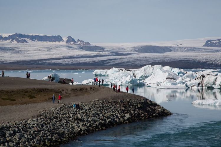 Summer Travel Ice Iceberg Jökulsárlón Iceland Water Beach Sea Large Group Of People Nature Beauty In Nature Sand Real People Vacations Clear Sky Day People