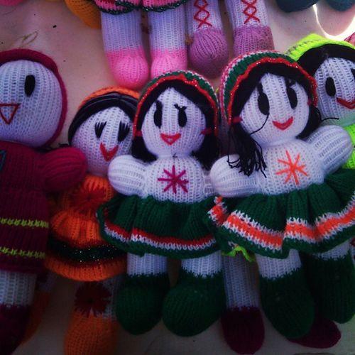 ميگن قديمي ترين عروسک ماسوله ايناست... يعني اين شکلي ميبافتن Iran Handmade Dolls Handmade Crafts Knitting Lahijan Masoleh