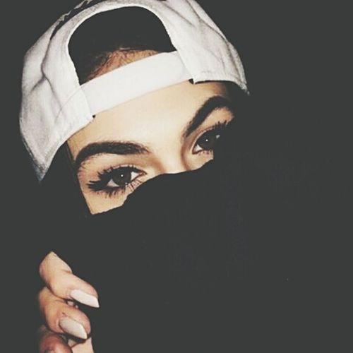 Aujourd'hui je m'habille en femme, demain je m'habillerai en bohnom.❌ First Eyeem Photo