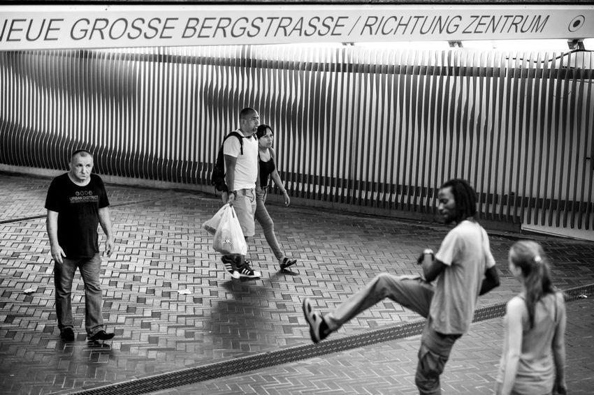 Hamburg Altona Altonale Streetphotography Streetphoto_bw Blackandwhite Streetlife Photography